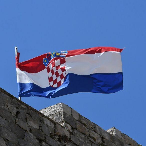 Čestitamo Vam Dan pobjede, domovinske zahvalnosti te Dan hrvatskih branitelja!