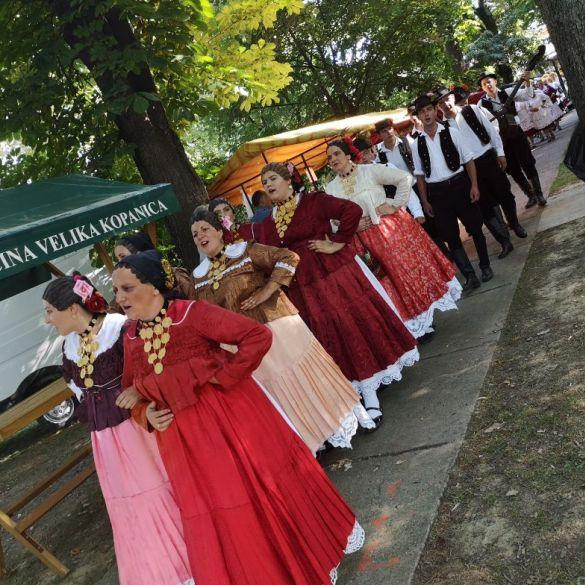 Smotrom starih običaja završava proslava dana općine Velika Kopanica